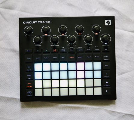 Novation Circuit Tracks 001.jpeg