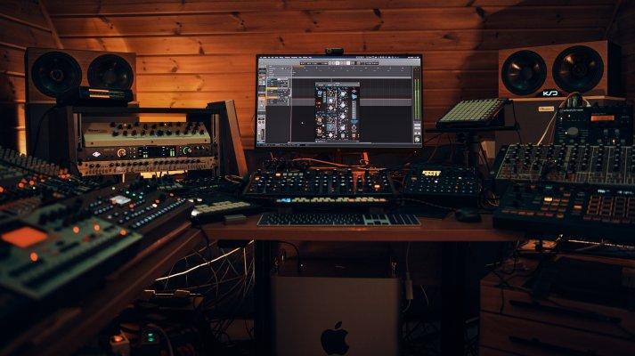 verstaerker_studio_2020.jpg
