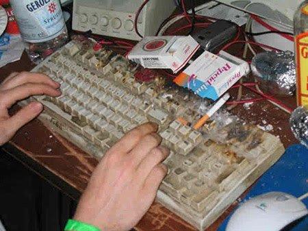 dirtiest-keyboard-ever.jpg